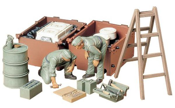 GERMAN ENGINE MAINTENANCE CREW 1:35