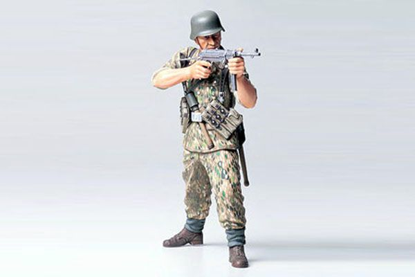 WWII GERMAN ELITE INFANTRY MAN 1:16
