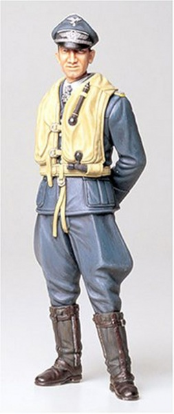 WWII GERMAN LUFTWAFFE ACE PILOT 1:16